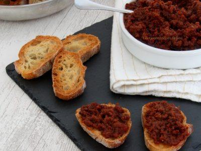 tartinade-tomates-sechees-et-olives-noires