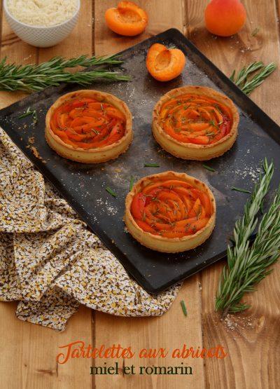 tartelettes-aux-abricots-miel-et-romarin