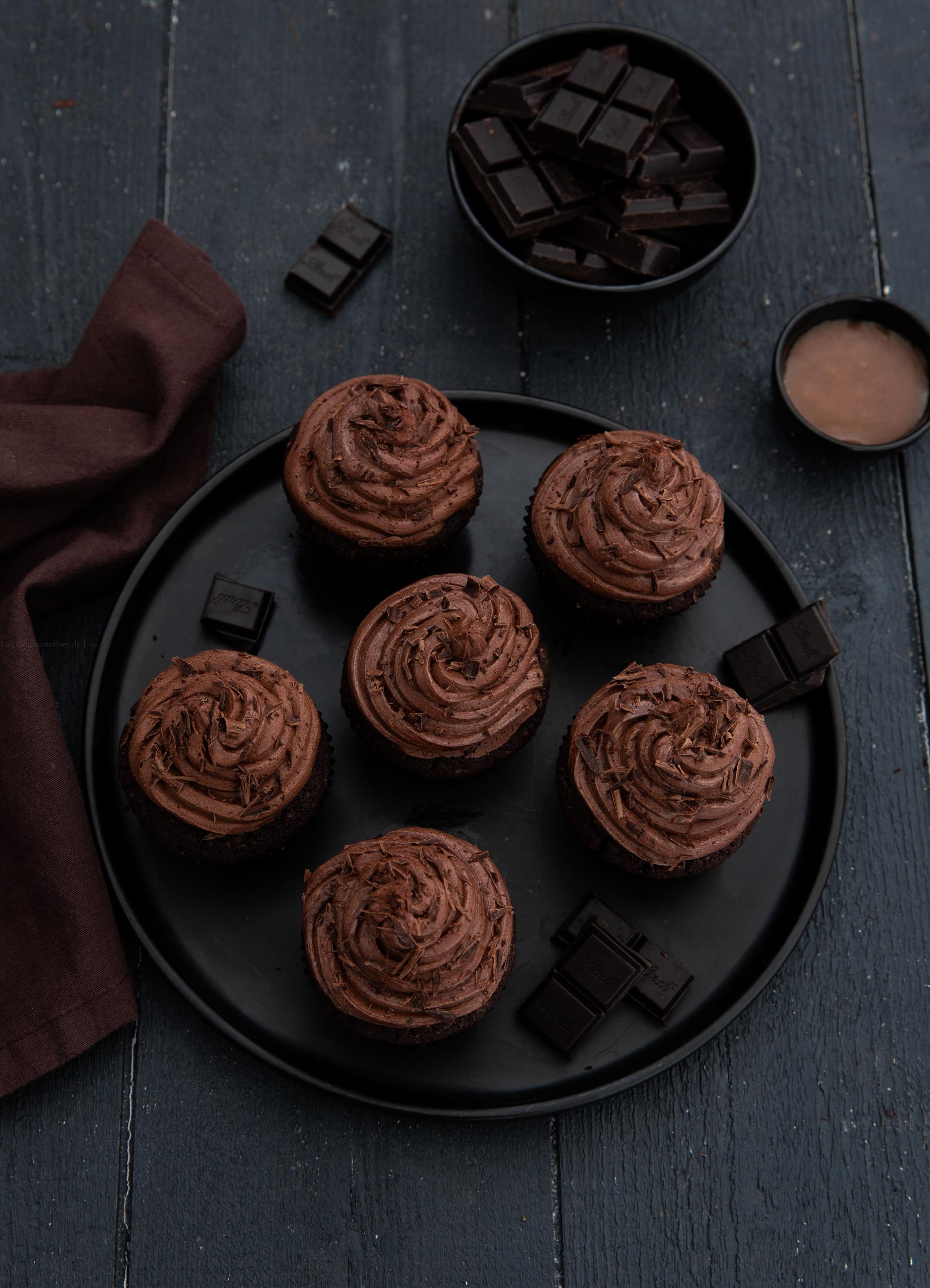 Cupcakes au chocolat coeur coulant caramel