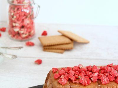 gateau-the-brun-aux-pralines-roses