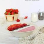 Smoothie bowl fraise – framboise – noix de coco – graines de chia