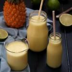 Smoothie ananas coco citron vert